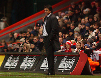 Photo. Daniel Hambury.<br /> Barclays Premiership.<br /> Charlton Athletic v Fulham. 20/12/2004.<br /> Fulham's Chris Coleman watches as his side lose to Charlton