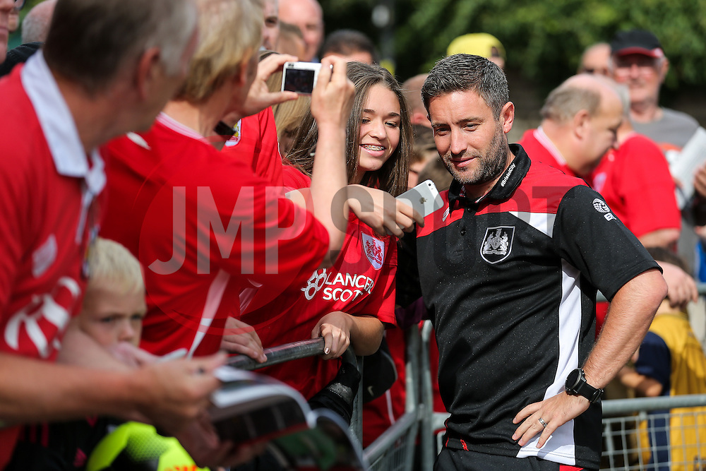 Bristol City manager Lee Johnson poses for selfies as he arrives at the ground - Rogan Thomson/JMP - 24/09/2016 - FOOTBALL - Craven Cottage Stadium - London, England - Fulham v Bristol City - Sky Bet EFL Championship.