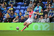 Danny Richardson of St Helens kicks the goal against Warrington Wolves during the Betfred Super League Super 8s match at the Halliwell Jones Stadium, Warrington<br /> Picture by Stephen Gaunt/Focus Images Ltd +447904 833202<br /> 22/09/2018