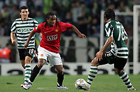 Photo: Paul Thomas.<br /> Sporting Lisbon v Manchester United. UEFA Champions League Group F. 19/09/2007.<br /> <br /> Anderson of Utd takes on the Sporting defence.