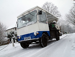 © under license to London News pictures. 30/11/2010.November snow scenes in Sydenham, Borough of Lewisham in south east London. A milk truck making deliveries in difficult conditions..Photo credit should read: Paul Treacy/London News Pictures