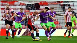 Darron Gibson of Sunderland is challenged by Callum O'Dowda of Bristol City - Mandatory by-line: Robbie Stephenson/JMP - 28/10/2017 - FOOTBALL - Stadium of Light - Sunderland, England - Sunderland v Bristol City - Sky Bet Championship