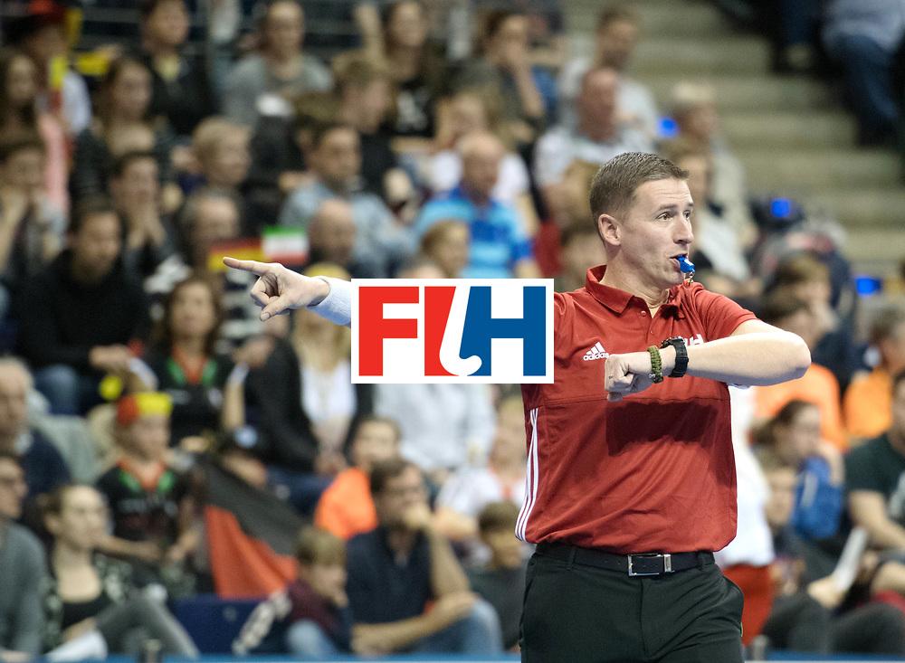 BERLIN - Indoor Hockey World Cup<br /> SF1 Germany - Iran<br /> foto: Umpire Bart de Liefde <br /> WORLDSPORTPICS COPYRIGHT FRANK UIJLENBROEK