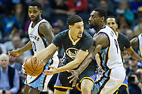 MEMPHIS, TN - DECEMBER 10:  Klay Thompson #11 of the Golden State Warriors looks to make a pass while being defended by Tony Allen #9 of the Memphis Grizzlies at the FedExForum on December 10, 2016 in Memphis, Tennessee.  The Grizzlies defeated the Warriors 110-89.  NOTE TO USER: User expressly acknowledges and agrees that, by downloading and or using this photograph, User is consenting to the terms and conditions of the Getty Images License Agreement.  (Photo by Wesley Hitt/Getty Images) *** Local Caption *** Tony Allen; Klay Thompson