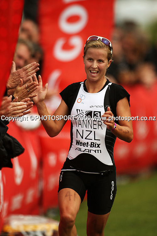 Debbie Tanner celebrates victory.<br /> Contact Tri-Series National Triathlon Championships and ITU Oceania Cup at Wellington Waterfront, Wellington , New Zealand. Saturday 7 March 2009. Photo: Dave Lintott/PHOTOSPORT