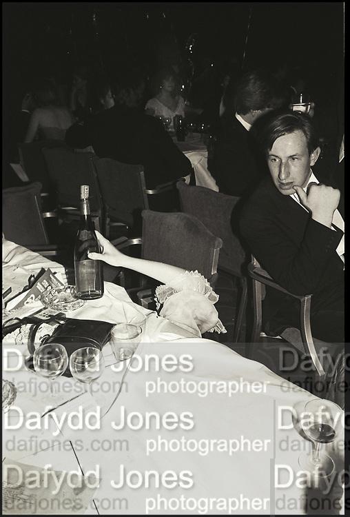 Henrietta Thompson's hand. Falklands Ball. Grosvenor House. London. 2 November 1982. Film. 82816f8<br /> <br /> © Copyright Photograph by Dafydd Jones. 66 Stockwell Park Rd. London SW9 0DA. Tel 0171 733 0108