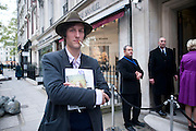 HENRY HUDSON, Opening of 'The Promised Land' Exhibition of work by Mitch Griffiths. Halcyon Gallery. Bruton St. London. 28 April 2010 *** Local Caption *** -DO NOT ARCHIVE-© Copyright Photograph by Dafydd Jones. 248 Clapham Rd. London SW9 0PZ. Tel 0207 820 0771. www.dafjones.com.<br /> HENRY HUDSON, Opening of 'The Promised Land' Exhibition of work by Mitch Griffiths. Halcyon Gallery. Bruton St. London. 28 April 2010