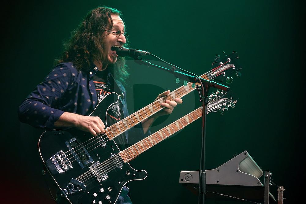 &quot;Xanadu&quot;<br /> <br /> Bass: 1975 Rickenbacker 4080/12