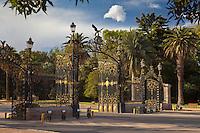PARQUE SAN MARTIN, PORTON DE INGRESO, CIUDAD DE MENDOZA, PROVINCIA DE MENDOZA, ARGENTINA (PHOTO © MARCO GUOLI - ALL RIGHTS RESERVED)