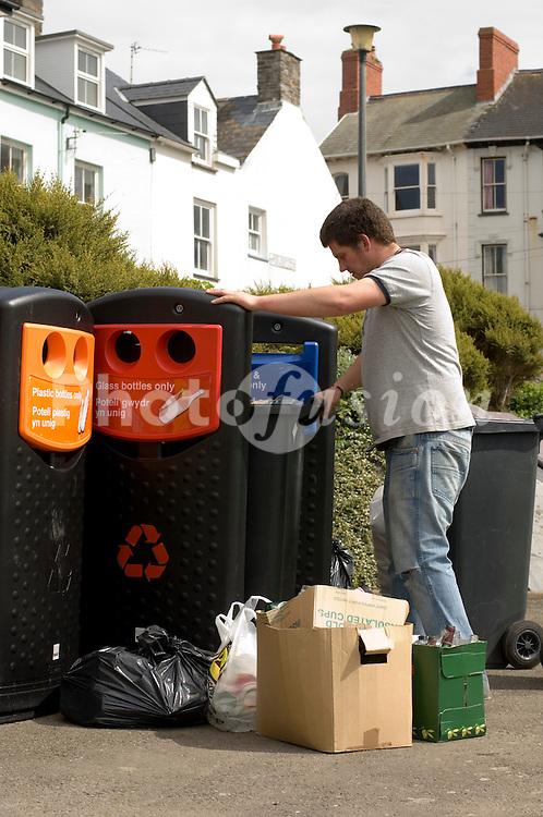 Man recycling UK