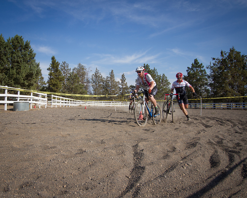 Jeff Johnston (Boneyard) and race winner Brandon Groza (Theraputic Associates of Bend / Pine Mtn. Sports).  © Brian Nelson