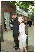 Alex James and Sam Taylor Wood. 30th Aniversary Gala Dinner, Serpentine Gallery.20 June 2000<br />© Copyright Photograph by Dafydd Jones 66 Stockwell Park Rd. London SW9 0DA Tel 020 7733 0108 www.dafjones.com