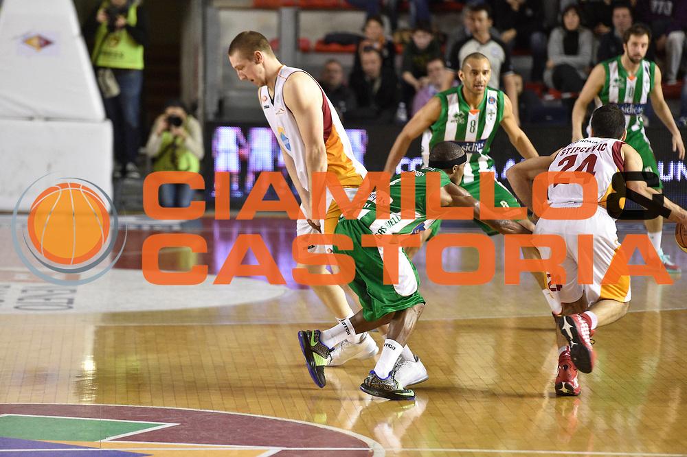 DESCRIZIONE : Roma Lega A 2014-15 <br /> Acea Virtus Roma - Sidigas Avellino <br /> GIOCATORE : Rok Stipcevic Maxime De Zeeuw<br /> CATEGORIA : blocco <br /> SQUADRA : Acea Virtus Roma<br /> EVENTO : Campionato Lega A 2014-2015 <br /> GARA : Acea Virtus Roma - Sidigas Avellino <br /> DATA : 04/04/2015<br /> SPORT : Pallacanestro <br /> AUTORE : Agenzia Ciamillo-Castoria/GiulioCiamillo<br /> Galleria : Lega Basket A 2014-2015  <br /> Fotonotizia : Roma Lega A 2014-15 Acea Virtus Roma - Sidigas Avellino