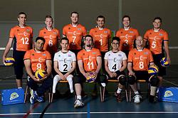 09-05-2014 NED: Selectie Nederlands zitvolleybal team mannen, Leersum<br /> In sporthal De Binder te Leersum werd het Nederlands team zitvolleybal seizoen 2014-2015 gepresenteerd / Teamfoto