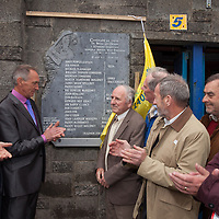 Naoise Jordan unveiling a plaque to commemerate the 100 year anniversary of Clare winning the all Ireland hurling Final
