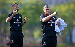 NANNING, CHINA - Wednesday, March 21, 2018: Wales' new manager Ryan Giggs and assistant coach Osian Roberts during a training session at the Guangxi Sports Centre ahead of the opening 2018 Gree China Cup International Football Championship match against China. (Pic by David Rawcliffe/Propaganda)