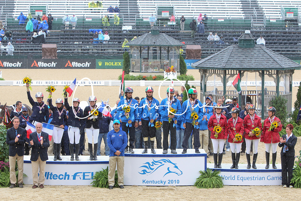 Prizegiving teams<br /> 1.UAE<br /> 2. FRA<br /> 3. GER<br /> Alltech FEI World Equestrian Games <br /> Lexington - Kentucky 2010<br /> © Hippo Foto - Dirk Caremans