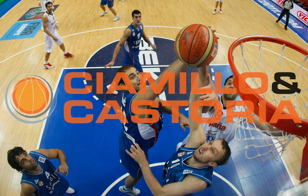 DESCRIZIONE : Vilnius Lithuania Lituania Eurobasket Men 2011 Second Round Spagna Serbia Spain Serbia<br /> GIOCATORE : Nenad Krstic<br /> CATEGORIA : rimbalzo special<br /> SQUADRA : Serbia<br /> EVENTO : Eurobasket Men 2011<br /> GARA : Spagna Serbia Spain Serbia<br /> DATA : 09/09/2011<br /> SPORT : Pallacanestro <br /> AUTORE : Agenzia Ciamillo-Castoria/M.Metlas<br /> Galleria : Eurobasket Men 2011<br /> Fotonotizia : Vilnius Lithuania Lituania Eurobasket Men 2011 Second Round Spagna Serbia Spain Serbia<br /> Predefinita :
