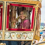 NLD/Den Haag/20190917 - Prinsjesdag 2019, Koningin Maxima in de glazen koets