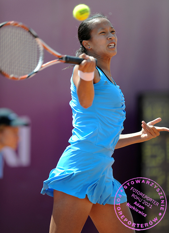 ANNE KEOTHAVONG FROM GREAT BRITAIN DURING FIRST ROUND TENNIS SONY ERICSSON WTA TOUR TOURNAMENT WARSAW OPEN 2009 IN WARSAW, POLAND...WARSAW , POLAND , MAY 18, 2009..( PHOTO BY ADAM NURKIEWICZ / MEDIASPORT )