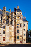 France, Cher (18), Berry, le Chateau de Meillant, façade orientale de style gothique fleuri à decor flamboyant, Tour du Lion, route Jacques Coeur // France, Cher (18), Berry, Chateau de Meillant castle, frontage, style Gothic flamboyant, Lion tower, the Jacques Coeur road