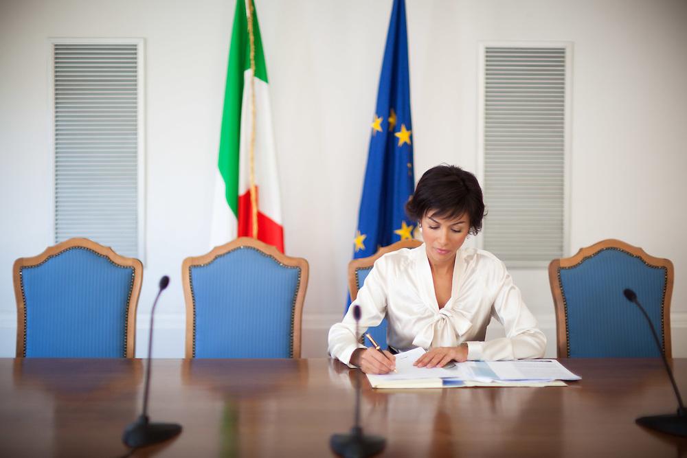 25 JUN 2010 - Roma - Mara Carfagna, Ministro per le Pari Opportunità, nella Sala Monumantale del Ministero in largo Chigi - Rome (Italy) - Mara Carfagna, italian Minister for Equal Opportunities