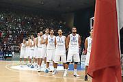DESCRIZIONE : Bari Qualificazioni Europei 2011 Italia Montenegro<br /> GIOCATORE : team nazionale<br /> SQUADRA : Nazionale Italia Uomini <br /> EVENTO : Qualificazioni Europei 2011<br /> GARA : Italia Montenegro<br /> DATA : 26/08/2010 <br /> CATEGORIA : before ritratto formazione<br /> SPORT : Pallacanestro <br /> AUTORE : Agenzia Ciamillo-Castoria/C.De Massis<br /> Galleria : Fip Nazionali 2010 <br /> Fotonotizia : Bari Qualificazioni Europei 2011 Italia Montenegro<br /> Predefinita :