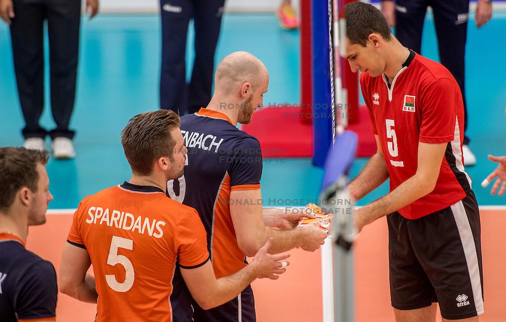 24-09-2016 NED: EK Kwalificatie Nederland - Wit Rusland, Koog aan de Zaan<br /> Nederland verliest de eerste twee sets / Jasper Diefenbach #6 en Siarhei Busel #5