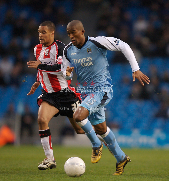 Manchester, England - Sunday, January 28, 2007: Manchester City's Sylvain Distin and Southampton's David McGoldrick during the FA Cup 5th Round match at the City of Manchester Stadium. (Pic by David Rawcliffe/Propaganda)