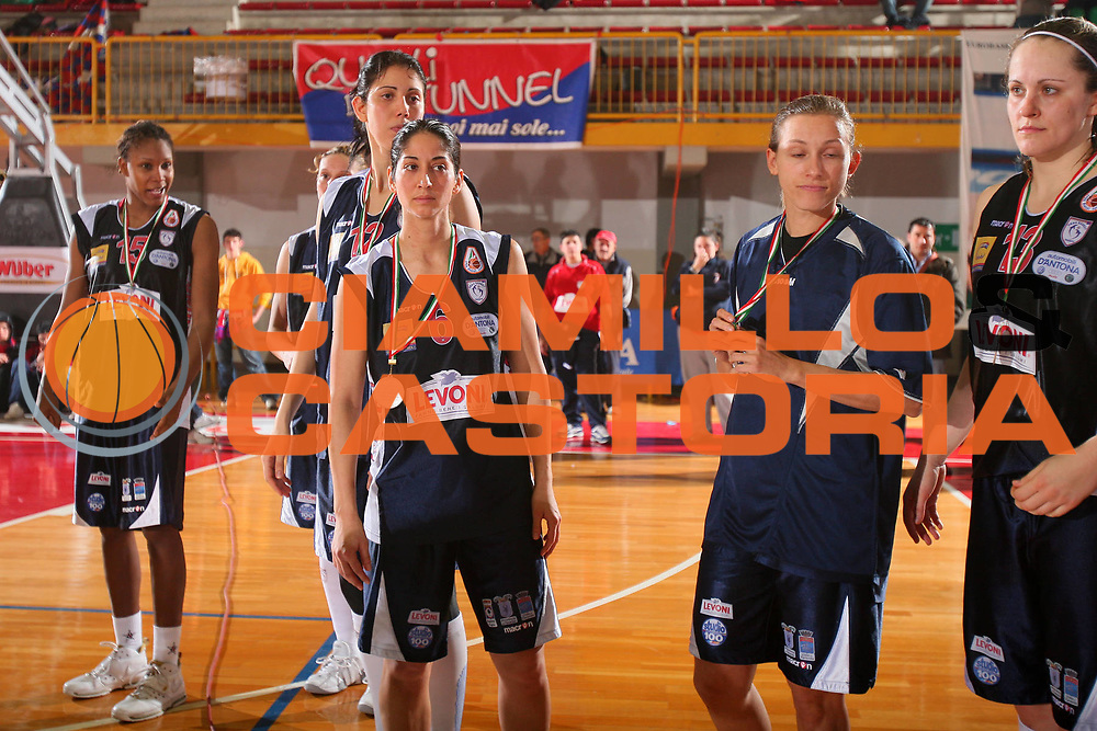 DESCRIZIONE : Schio Lega A1 Femminile 2007-08 Coppa Italia Finale Levoni Taranto Umana Venezia <br /> GIOCATORE : Team Taranto <br /> SQUADRA : Levoni Taranto <br /> EVENTO : Campionato Lega A1 Femminile 2007-2008 <br /> GARA : Levoni Taranto Umana Venezia <br /> DATA : 16/03/2008 <br /> CATEGORIA : Delusione <br /> SPORT : Pallacanestro <br /> AUTORE : Agenzia Ciamillo-Castoria/S.Silvestri
