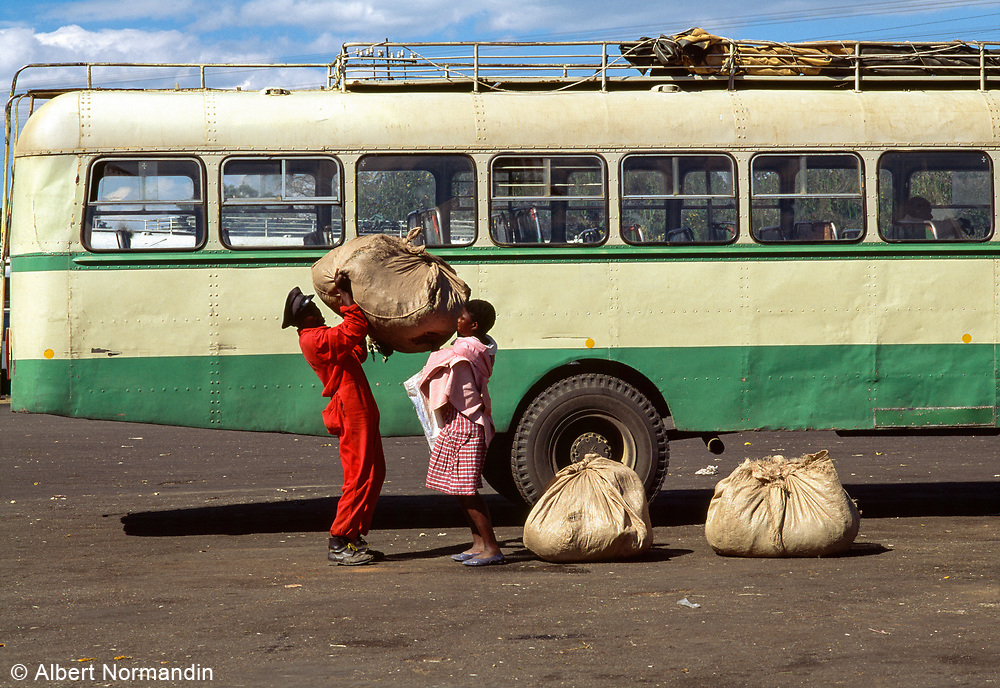 Loading at Bus Station 1, Harare, Zimbabwe, May 1995