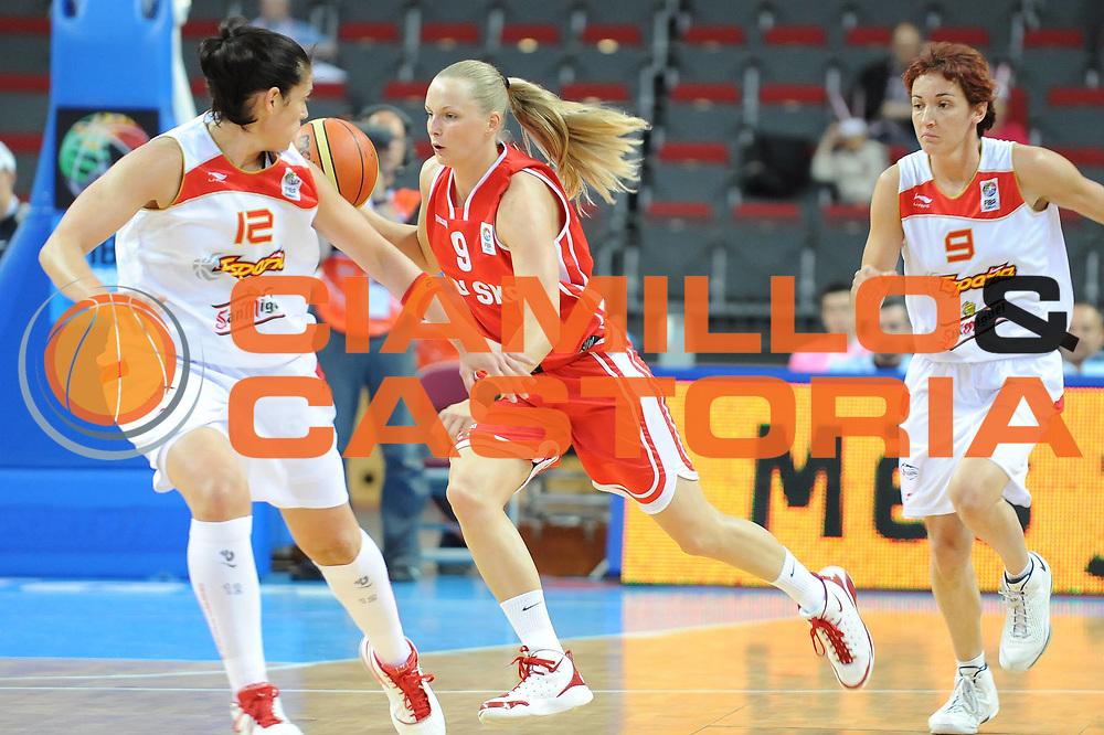 DESCRIZIONE : Riga Latvia Lettonia Eurobasket Women 2009 Qualifying Round Spagna Polonia Spain Poland<br /> GIOCATORE : Agnieszka Bibrzycka<br /> SQUADRA : Polonia Poland<br /> EVENTO : Eurobasket Women 2009 Campionati Europei Donne 2009 <br /> GARA : Spagna Polonia Spain Poland<br /> DATA : 13/06/2009 <br /> CATEGORIA : palleggio<br /> SPORT : Pallacanestro <br /> AUTORE : Agenzia Ciamillo-Castoria/M.Marchi<br /> Galleria : Eurobasket Women 2009 <br /> Fotonotizia : Riga Latvia Lettonia Eurobasket Women 2009 Qualifying Round Spagna Polonia Spain Poland<br /> Predefinita :
