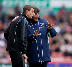 STOKE, ENGLAND - Sunday, October 19, 2008: Tottenham Hotspur's manager Juande Ramos argues with the fourth official during the Premiership match against Stoke City at the Britannia Stadium. (Photo by David Rawcliffe/Propaganda)