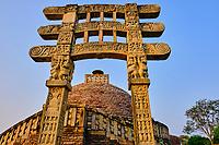 Inde, état du Madhya Pradesh, Sanchi, monuments bouddhiques classés Patrimoine mondial de l'UNESCO, Stupa N°3 // India, Madhya Pradesh state, Sanchi, Buddhist monuments listed as World Heritage by UNESCO, Stupa N°3