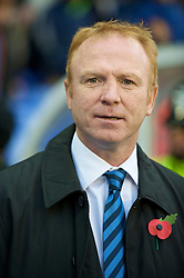 BIRMINGHAM, ENGLAND - Sunday, November 1, 2009: Birmingham City's manager Alex McLeish during the Premiership match against Manchester City at St Andrews. (Pic by David Rawcliffe/Propaganda)