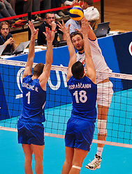 18.09.2011, Stadthalle, Wien, AUT, CEV, Europaeische Volleyball Meisterschaft 2011, Finale, Italien vs Serbien, im Bild Michal Lasko, (ITA, #7, Opposite) gegen Nikola Kovacevic, (SRB, #1, Wing-Spiker) und Marko Podrascanin, (SRB, #18, Middle-Blocker) // during the european Volleyball Championship Final Italy vs Serbia, at Stadthalle, Vienna, 2011-09-18, EXPA Pictures © 2011, PhotoCredit: EXPA/ M. Gruber