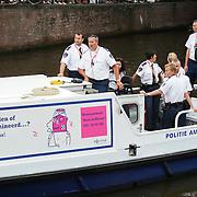 NLD/Amsterdam/20080802 - Canal Parade 2008 Amsterdam, politieboot met homosexuele agenten