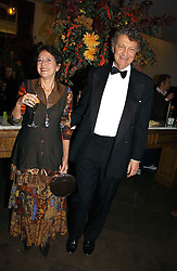 The HON.WILLIAM & HON.MRS SHAWCROSS, she is the daughter of Lord Forte at the opening of The National Cafe and an exclusive private view of the National Gallery's Valazquez Exhibition, at The National Gallery, Trafalgar Square, London on 26th October 2006.<br />
