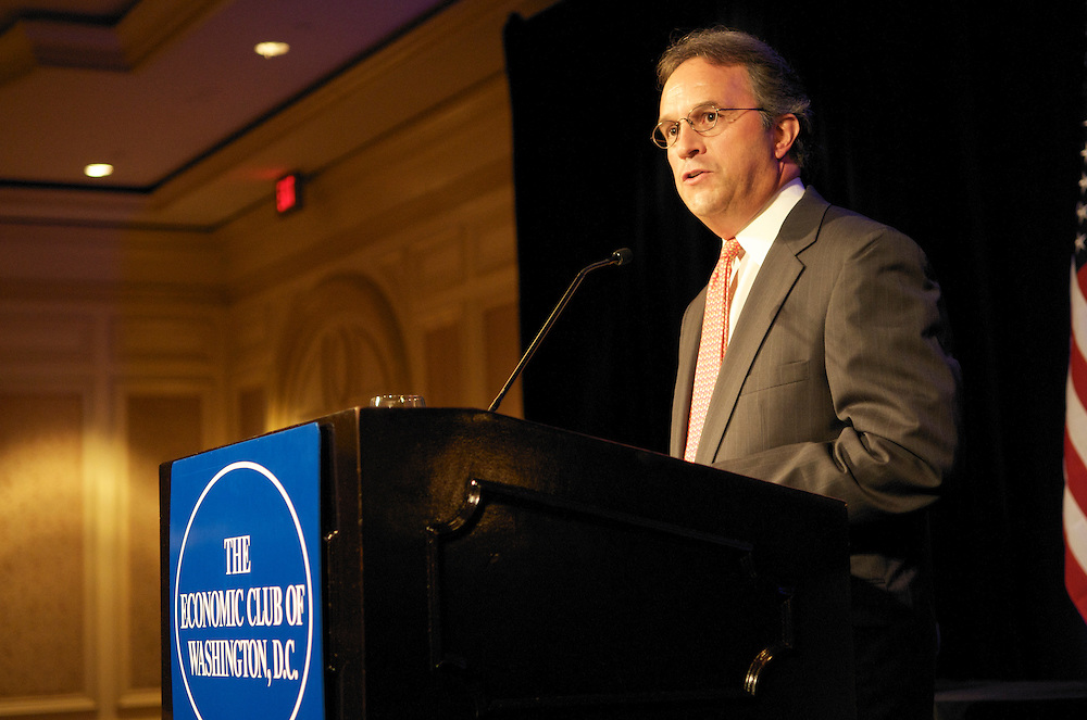 G. Richard Wagoner Jr. CEO of General Motors addresses members of the Economic Club of Washington at the Ritz Carlton in Washington DC Dan Akerson, CEO General Motors addresses the members and guest of the Economic Club of Washington at the Ritz Carlton, DC at 1150 22nd Street, Washington DC 20037