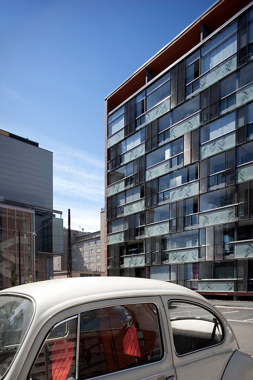 Helsingin Siluetti apartment building photographed by Tuomas Uusheimo for B&M architects.