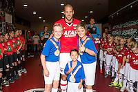 ALKMAAR - 28-08-2016, AZ - NEC, AFAS Stadion, 2-0, spieren voor spieren, AZ speler Ron Vlaar