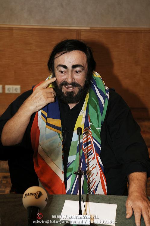 Persconferentie Luciano Pavarotti