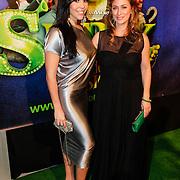 NLD/Amsterdam/20121104 - Premiere Shrek de musical, Hind Laroussi Tahiri en fabienne de Vries