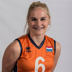 07-06-2016 NED: Jeugd Oranje meisjes &lt;2000, Arnhem<br /> Photoshoot met de meisjes uit jeugd Oranje die na 1 januari 2000 geboren zijn / Hester Jasper