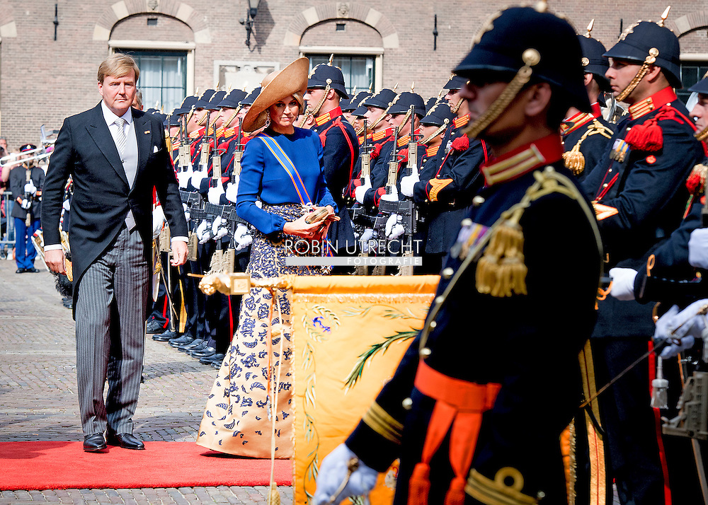 20-9-2016 THE HAGUE - THE HAGUE - prinses laurentien en prins contantijn  Queen Maxima and Willem-Alexander King arrive with the Glazenkoets at the Knights on Budget Day prior to the throne speech. Every third Tuesday of September is Budget Day, the festive opening of the new parliamentary year of the States General (the Senate and House). His Majesty the King on Budget Day rides in the Golden Carriage to the Binnenhof in The Hague speaks during the joint session of the States General in the Knights from the throne speech. COPYRIGHT ROBIN UTRECHT DEN HAAG - Koningin Maxima en koning Willem-Alexander komen aan bij de Ridderzaal met de glazenkoets op Prinsjesdag voorafgaand aan de troonrede. Elke derde dinsdag van september is het Prinsjesdag, de feestelijke opening van het nieuwe werkjaar van de Staten-Generaal (de Eerste en Tweede Kamer). Zijne Majesteit de Koning rijdt op Prinsjesdag in de Gouden Koets naar het Binnenhof in Den Haag en spreekt tijdens de verenigde vergadering van de Staten-Generaal in de Ridderzaal de troonrede uit. COPYRIGHT ROBIN UTRECHT COPYRIGHT ROBIN UTRECHT