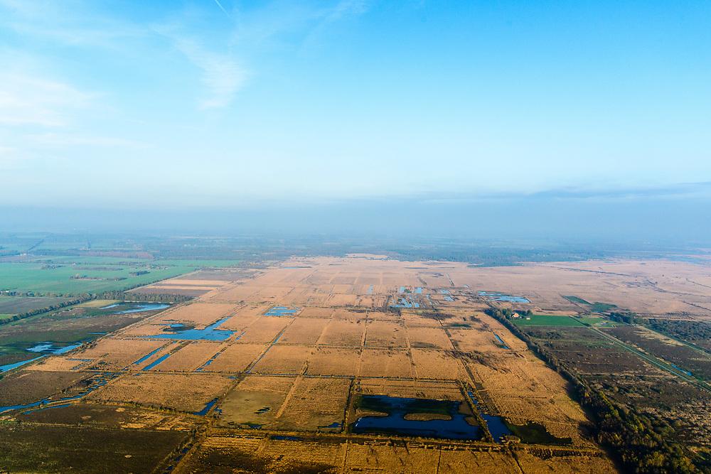 Nederland, Drenthe, Gemmente Ooststellingwerf, 28-10-2014; Fochteloo,  Fochteloërveen of Fochtelooërveen, hoogveengebied op de grens van Drenthe en Friesland.<br /> High moor, bog area on the border of Drenthe and Friesland.<br /> luchtfoto (toeslag op standaard tarieven);<br /> aerial photo (additional fee required);<br /> copyright© foto/photo Siebe Swart