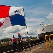 MIRAFLORES LOCKS - THE PANAMA CANAL / ESCLUSAS DE MIRAFLORES - EL CANAL DE PANAMA