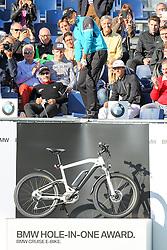 23.06.2015, Golfclub M&uuml;nchen Eichenried, Muenchen, GER, BMW International Golf Open, Show Event, im Bild Henrik Stenson (SWE) schlaegt beim Show Event von der Tribuene ab // during the Show Event of BMW International Golf Open at the Golfclub M&uuml;nchen Eichenried in Muenchen, Germany on 2015/06/23. EXPA Pictures &copy; 2015, PhotoCredit: EXPA/ Eibner-Pressefoto/ Kolbert<br /> <br /> *****ATTENTION - OUT of GER*****