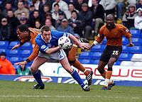 Fotball. Engelsk Førstedivisjon 2001/2002.<br /> Birmingham v Wolverhampton 09.03.2002.<br /> Geoff Horsfield fra Birmingham i duell med Joleon Lescott fra Wolverhampton.<br /> Foto: Roger Parker, Digitalsport