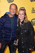 Tweede verjaardag van The Lion King in het AFAS Circustheater in Scheveningen. Het wordt een héél bijzondere avond, want The Lion King trakteert dit jaar de LINDA.foundation<br /> <br /> Op de foto:  Ron Boszhard